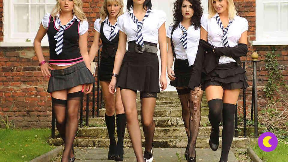 Teen girl squad wallpaper
